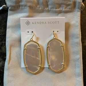 NWT gold and ivory Danielle earrings